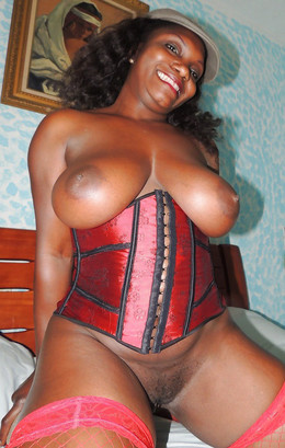 African mature babes fucked and posing..