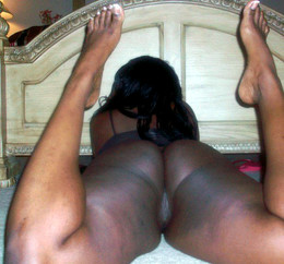Horny ebony amateurs show us their..