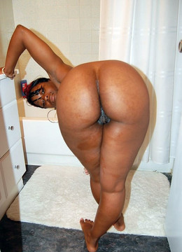 Ebony housewife always naked at home,..