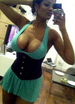 Whoa! What a body on this ebony babe!..